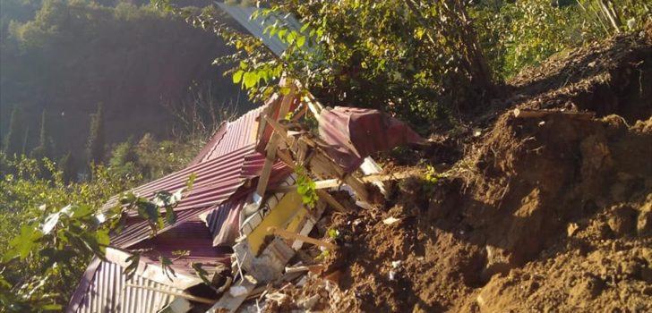 Trabzon'da toprak kayması