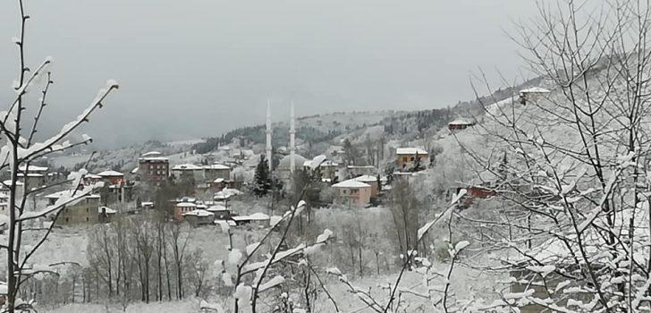 Trabzon'da oralarda kar yağışı başladı…