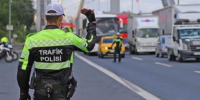 Trabzon'da trafik memurları ceza yağdırdı!