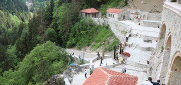 """Turizmin gözdesi """"Sümela"""" ziyaretçilerini bekliyor"""