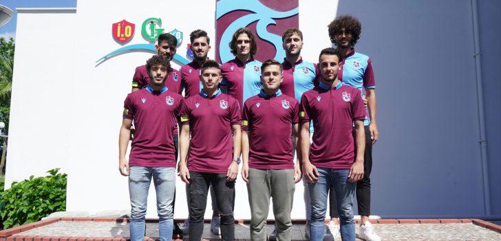 Trabzonspor'da 9 genç futbolcu için imza töreni