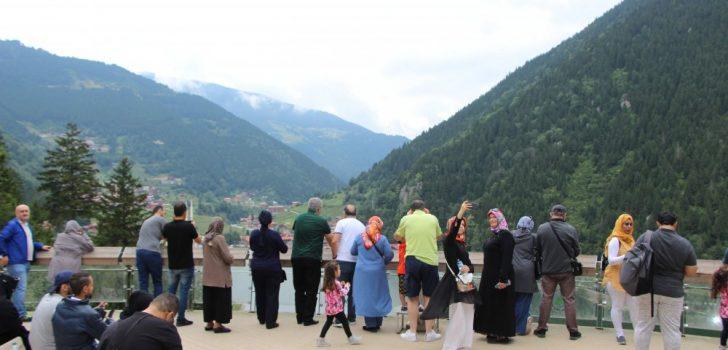 Uzungöllü turizmciler sezondan memnun