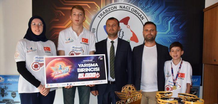 """""""Havali Bilyali"""" ile TEKNOFEST'den Trabzon'a birincilikle döndüler"""