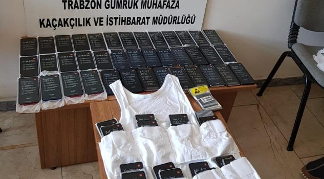 Trabzon'da 86 gümrük kaçağı cep telefonu ele geçirildi