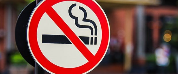 Özel veya resmi araçlarda sigara yasağı başladı. İşte cezası