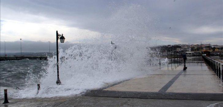 Karadeniz'de fırtına uyarısı