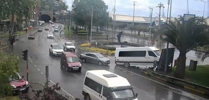 Trabzon'daki trafik kazaları MOBESE kameralarına böyle yansıdı