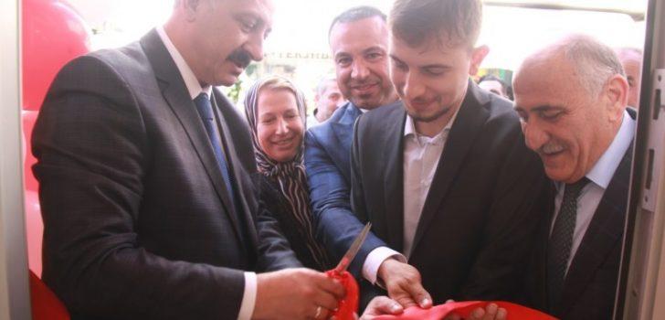 Başkan Çebi Favori Aksesuar Dükkanının Açılışını Gerçekleştirdi