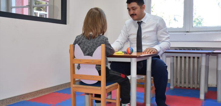 Çocuk ve Ergen Ruh Sağlığı Birimi ailelere destek oluyor