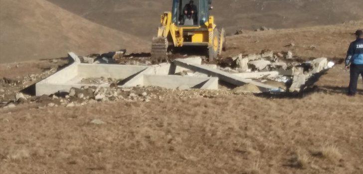 Trabzon'da yaylalardaki 9 kaçak yapının inşaat temeli kapatıldı
