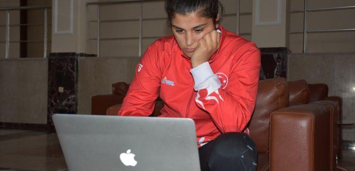 """Milli boksör Busenaz Sürmeneli, AA'nın """"Yılın Fotoğrafları"""" oylamasına katıldı"""