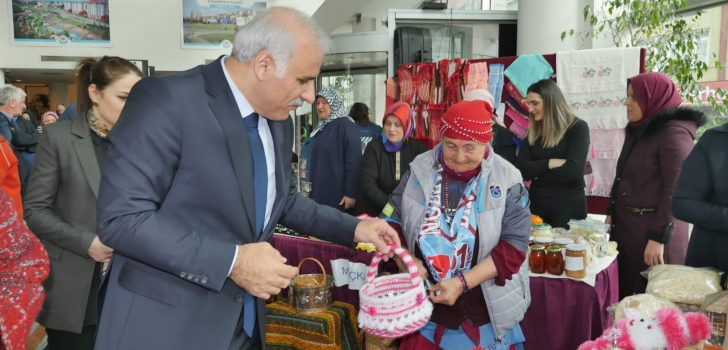 Başkan Zorluoğlu 'Hanımleli Çarşısı'nı Ziyaret Eetti