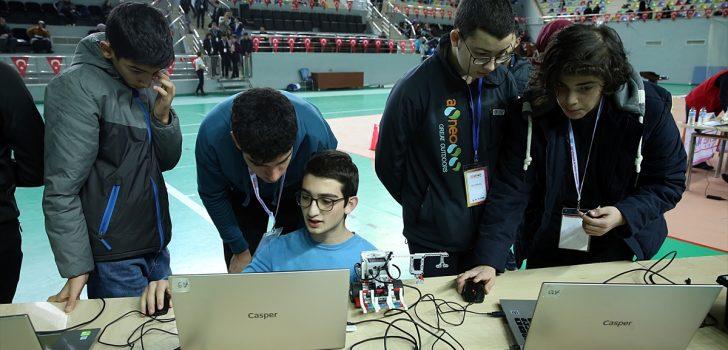 Trabzon'da robotik eğitim proje şenliği düzenlendi