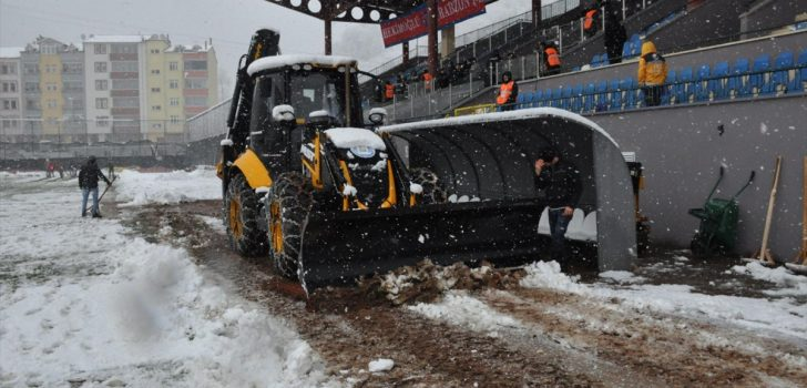 Trabzon'da futbola kar engeli