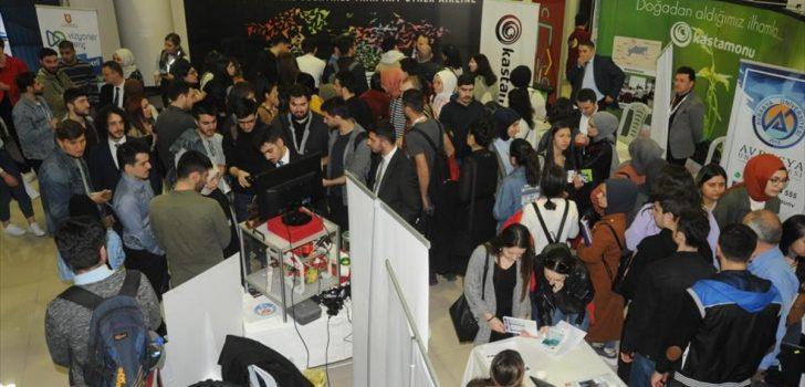 Trabzon'daki Doğu Karadeniz Kariyer Fuarı'nı 15 bin 865 kişi ziyaret etti