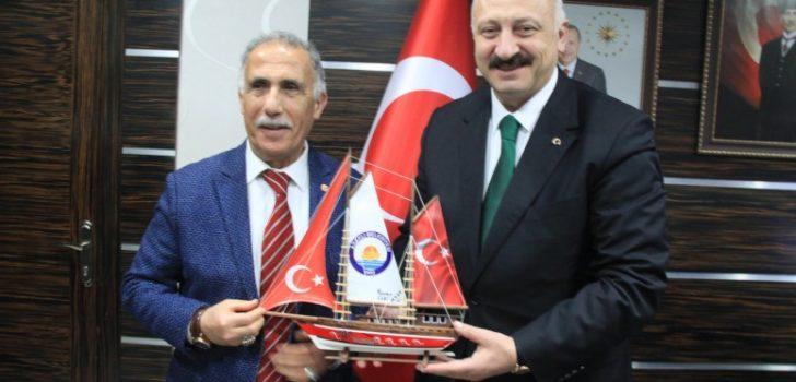 Albayrak Holding'den Başkan Çebi'ye Ziyaret