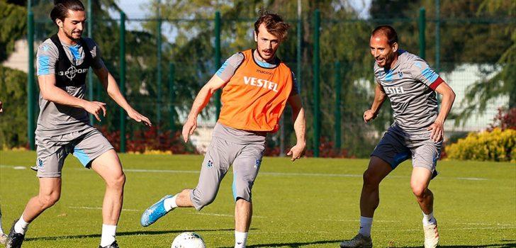 Trabzonspor, çalışmalarını akşam idmanıyla sürdürdü