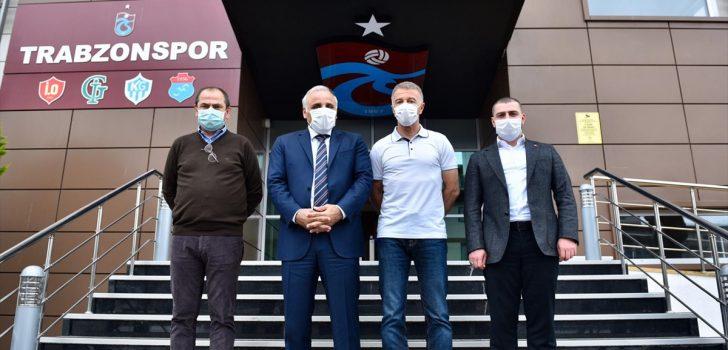 Trabzon Büyükşehir Belediye Başkanı Zorluoğlu'ndan Trabzonspor'a moral ziyareti