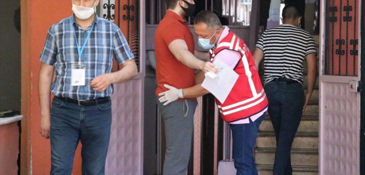 Trabzon'da polis, sınav öncesi kimliğini kaybeden öğrenci için seferber oldu