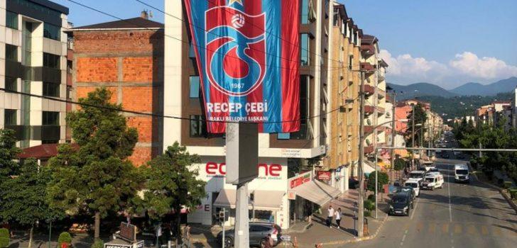 Trabzonspor Bayrakları Asıldı