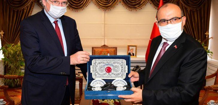 AB Türkiye Delegasyonu Başkanı Berger, Trabzon Valisi Ustaoğlu'nu ziyaret etti