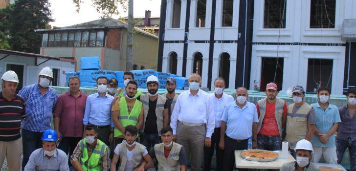 Başkan Çebi Türkiye'nin Gündemine Oturan İnşaat İşçileriyle Bir Araya Geldi