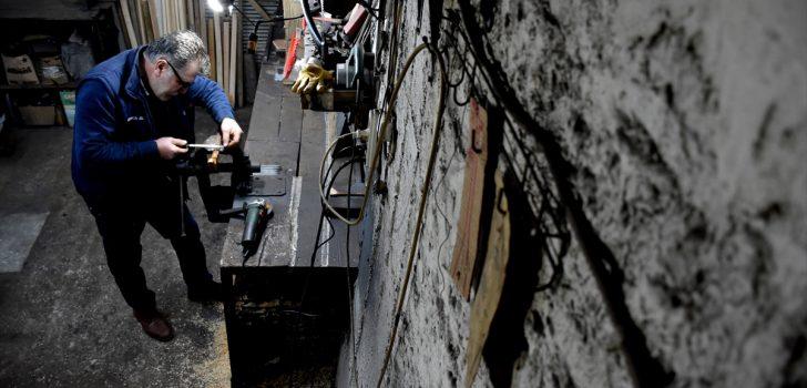 Teknolojiye direnen sıcak demir ustası mesleğini ayakta tutmaya çalışıyor