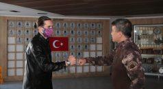 Milli futbolcu Yusuf Yazıcı'dan Trabzon İl Emniyet Müdürlüğüne ziyaret