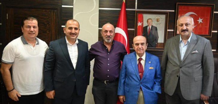 Eski Vekil Aksakal'dan Başkan Çebi'ye Ziyaret