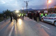 Samsun'da kamyonetle otomobilin çarpışması sonucu 3 kişi yaralandı