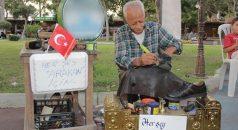 Ayakkabıları Arakanlı Müslümanlar için boyayacak