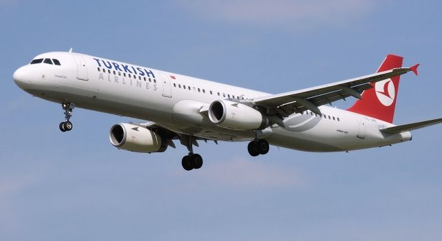 THY'nin bir milyonuncu misafiri Antalya'ya uçtu