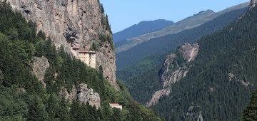 Sümela Manastırı'na kurulacak teleferik için ihalenin 6 ay içinde yapılması planlanıyor