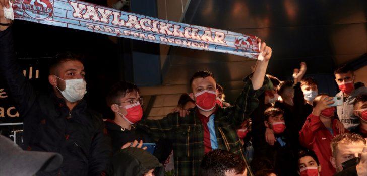 Trabzonspor'un yeni teknik direktörü Abdullah Avcı, Trabzon'a geldi