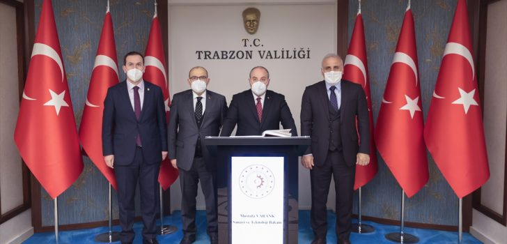 Sanayi ve Teknoloji Bakanı Varank, Trabzon'da temaslarda bulundu