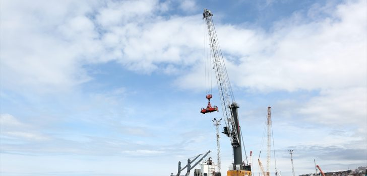Rusya'da hizmet verecek dev konteyner vinçlerin kurulumu Trabzon Limanı'nda yapılacak