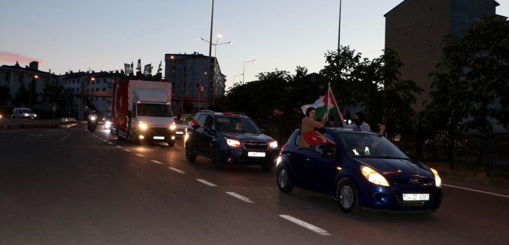 Trabzon'da İsrail'in Filistinlilere saldırıları konvoy oluşturularak protesto edildi